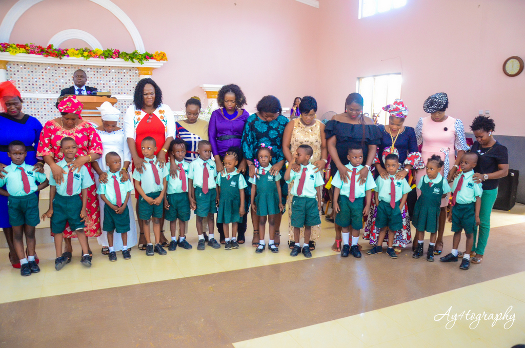Royal Crest School Nursery Graduating Students